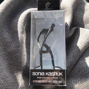 Sonia Kashuk Eyelash Curler